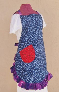 A Blueberry Apron for the hostess to wear while cooking @Ocean Spray blueberry dishes!   #berryblue