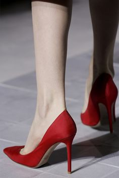 Valentino Alta Moda Primavera Estate 2013 red suede high heel pumps - classic and timeless style!