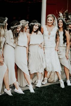 86e99dbd6a2b Cure bridal party photo with sneakers. Pastel Bridesmaid Dresses