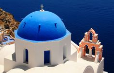 Santorini - an amazing Greek Island created from a sunken volcano http://www.boatbookings.com/yachting_content/athens_santorini_mykonos_sailing_itinerary.php