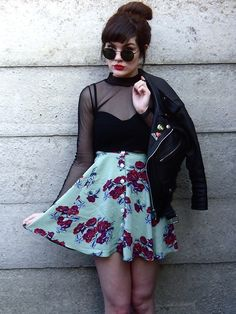 I can see this grunge inspiration on this look mixing the floral skirt with black x