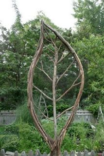 Leaf made of pruned vines. Make several and link them as a space divider.