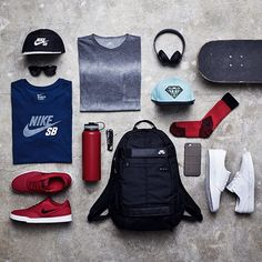 Grab your essentials and meet us tomorrow at Skateboard Outfits, Skateboard Girl, Mochila Edc, Mode Man, Skate Girl, Skate Style, Boy Outfits, Fashion Outfits, Outfit Grid