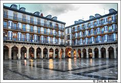 San Sebastian / Donostia. Plaza de la Constitución. | Flickr: Intercambio de fotos Pamplona, San Sebastian Spain, Places Ive Been, Places To Visit, Spanish Towns, Natural Park, Basque Country, Beautiful Sites, Spain And Portugal
