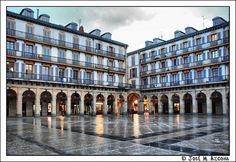 San Sebastian / Donostia. Plaza de la Constitución. | Flickr: Intercambio de fotos