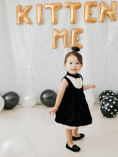 Are You Kitten Me birthday party 2nd Birthday Parties, Birthday Ideas, Dog Cakes, Cat Party, First Birthdays, Kitten, Flower Girl Dresses, Party Ideas, Party Wedding