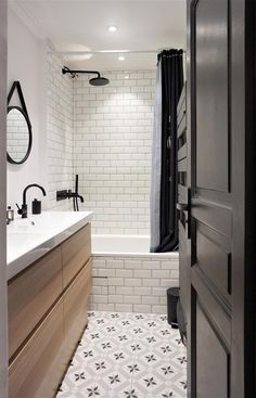 White Bathroom Ideas – See our favored white washrooms as well as check out our favorite white bathroom photos, including white bathroom furnishings, white decoration and also … - Bathroom Flooring Bad Inspiration, Bathroom Inspiration, Bathroom Renos, Bathroom Flooring, Retro Bathrooms, Black Bathrooms, Gold Bathroom, Master Bathrooms, Bathroom Photos