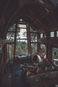 Tree house or tiny house vibes. Tree house or tiny house vibes. Aesthetic Rooms, Cabins In The Woods, Cottage In The Woods, House Goals, Dream Rooms, My Dream Home, Exterior Design, Future House, Beautiful Homes