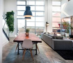 Modernizing Your Home with Industrial Pipe http://www.simplifiedbuilding.com/blog/modernizing-your-home-with-industrial-pipe/ #pipetable #diyfurniture #modern #keeklamp