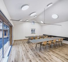 Wohnüberbauung Hagmannareal, Winterthur - weberbrunner architekten Winterthur, Conference Room, Table, Furniture, Home Decor, Craft Business, Human Settlement, Landscape Diagram, Ground Floor