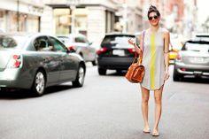Un buen bolso y unos lentes de sol con mucho estilo levantan cualquier look.  #UrbanLooks #Moda #MNYArgentina
