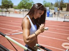 A picture of Allison Stokke. This site is a community effort to recognize the hard work of female athletes, fitness models, and bodybuilders. Athlete Motivation, Fitness Motivation, Gopro, Gyms Near Me, Beautiful Athletes, Pole Vault, Female Athletes, Women Athletes, Track And Field