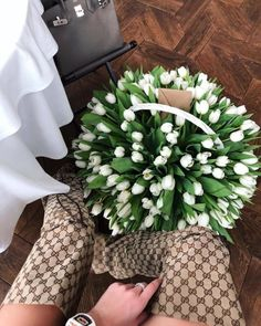 Amazing Outfit Ideas for Every Personal Style Luxury Flowers, Fall Photos, Wedding Portraits, Amazing Women, Tulips, Planting Flowers, Flower Arrangements, Like4like, Bloom