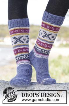 Strikkede DROPS sokker i Karisma med norsk mønster. Str 35 - 46