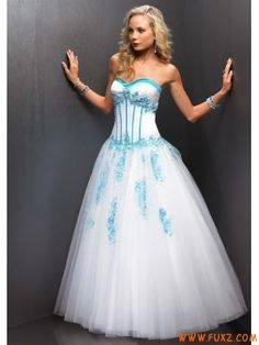 Tulle Sweetheart Applique White Quinceanera Dresses 2011