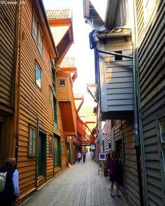 Als kleinen Vorgeschmack auf das faszinierende skandinavische Land zeigen wir dir hier 10 spektakuläre Norwegen Highlights!