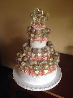 Cake de boda elaborado con cake Pops de chocolate, Guayaba y Dulde de Leche. Colores de acuerdo a la decoración. Creación de Silvia's Cake