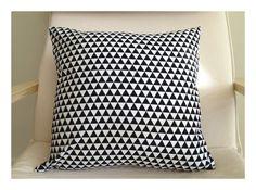 Triangles Black & White Pillow 16'' / home decor / pillow case / decorative pillow / triangles / black and white /triangles print