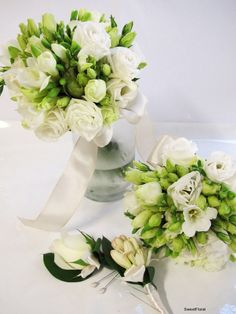 Google Image Result for http://blog.sweetfloral.com.au/wp-content/gallery/aprilweddingflowers2/img_1134.jpg