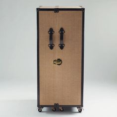 Clyde Steamer Trunk Bar
