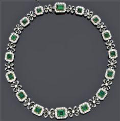 Royal Jewelry, Fine Jewelry, Emerald Necklace, Jewel Box, Emerald Diamond, Antique Jewelry, Vintage Jewelry, Jewelery, Stone