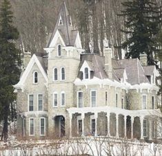 Victorian Architecture, Beautiful Architecture, Beautiful Buildings, Beautiful Homes, Architecture Design, Victorian Buildings, Old Mansions, Abandoned Mansions, Abandoned Houses