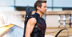 Hawkeye (Jeremy Renner) Thought his character added some realism to the avengers along with the Black Widow Loved all of the characters but i think those two were my favorite Jeremy Renner, Black Widow Costume, Kate Bishop, Clintasha, Die Rächer, Clint Barton, Marvel Movies, Marvel Cinematic Universe, Marvel Avengers