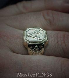 Big masonic signet ring Men masonic ring All-Seeing Eye image 3 Masonic Gifts, Masonic Art, Masonic Jewelry, Freemason Ring, All Seeing Eye, Signet Ring, Ring Ring, Hand Engraving, Gold Rings