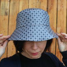 Sombreros - Sombrero impermeable - Negro y gris - hecho a mano por LoLahn-Handmade en DaWanda