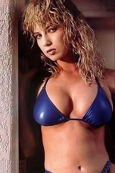 Teen daughter licks moms pussey porn