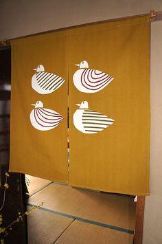 【楽天市場】のれん 高級のれん「水鳥(丈90センチ)」 日本の伝統、和の心、職人の技 レビューを書いて送料無料!【あす楽対応】:のれん屋さんのインテリアショップ