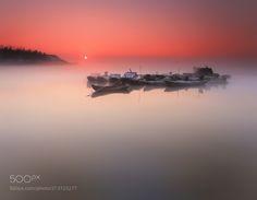 晨光Morning light…江雾Jiang fog…舟影The shadow of the ship… by guolairenwangshi http://ift.tt/2rKYUhL