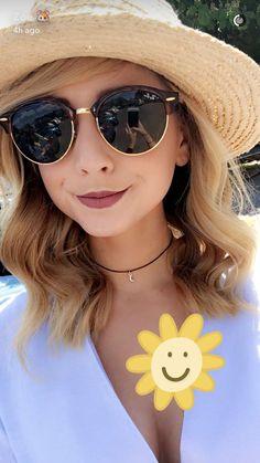 Girl With Sunglasses, Cool Sunglasses, Sunglasses Women, Zoella Hair, Zoella Beauty, Sugg Life, University Style, Zoe Sugg, Joey Graceffa