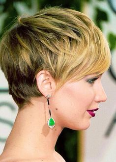 I LOVE her hair!  Seriously thinking about going for this look!