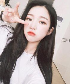 Korean Instagram                                                                                                                                                                                 Más Cute Korean Girl, Cute Asian Girls, Cute Girls, Moda Ulzzang, Ulzzang Boy, Uzzlang Girl, Ulzzang Fashion, Korean Fashion, Korean Beauty