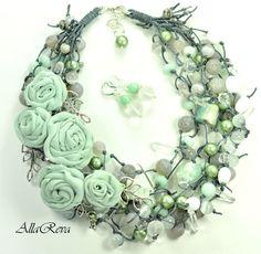 """Купить Комплект """"Мятные розы"""" - мятный, колье, колье с цветами, цветочное колье"""