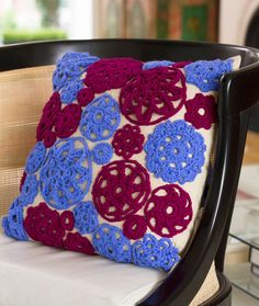 Circle Motif Pillow Free Crochet Pattern from Red Heart Yarns