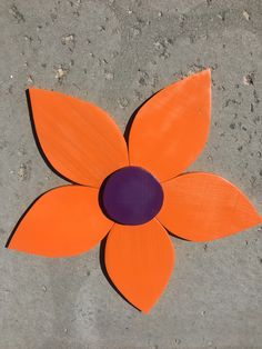 Wood Projects, Projects To Try, Wooden Flowers, Recycled Wood, Woodworking Ideas, Recycling, Pottery, Gardening, Orange