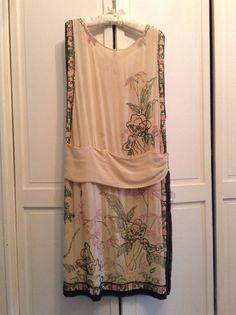 1920s Vintage Cream Silk Chinoiserie Jade Beaded Flapper Dress