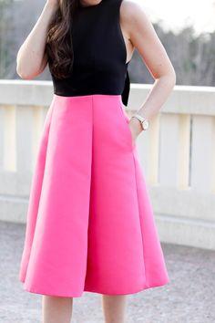 Valentine's Inspired Kate Spade Bow Dress | @RentTheRunway @shelbslv Pretty in the Pines Blog | Pink midi dress @katespadeny