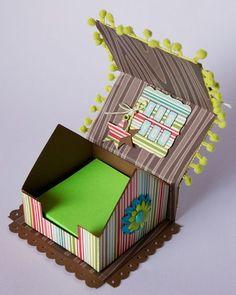 cottage house note holder tutorial with scoring measurements adorable 3d Paper Crafts, Cardboard Crafts, Paper Gifts, Paper Crafting, Diy Crafts, Wrapping Gift, 3d Templates, Post It Note Holders, Envelope Punch Board