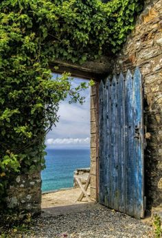 Gate to the sea.