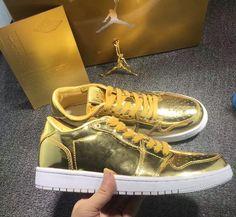 super popular 888fc 2a183 Air Jordan 1 Low Pinnacle Metallic Gold