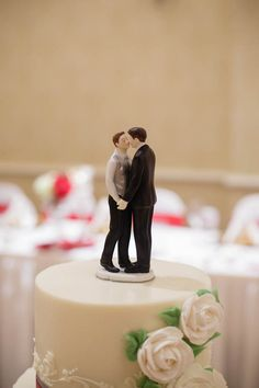This same sex cake topper is just the sweetest