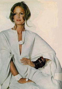 Karen Graham wearing a Halston caftan for Vogue, November 15, 1971.