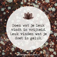 Inspirerend Leven @inspirerendleven Het weekend zit e...Instagram photo   Websta (Webstagram) Mj Quotes, Dutch Quotes, Good Life Quotes, Best Quotes, Inspirational Quotes, Mindfulness Quotes, Picture Quotes, Cool Words, Positive Quotes