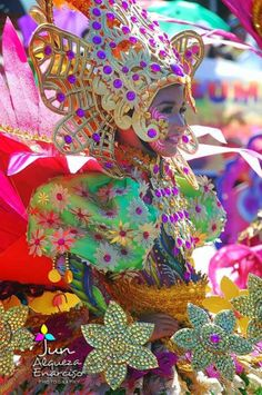 Tropical Dreams: No - this is not RIO ! Colorful fiesta in the Philippines: Iloilo City, Panay Island