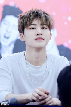 Korean's Robert Pattinson is kim hanbin~ Kim Hanbin Ikon, Ikon Kpop, Hip Hop, Yg Entertainment, K Pop, Bobby, Ikon Leader, Winner Ikon, Ikon Debut