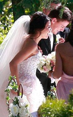 """Actress Jenna Dewan wore a custom Reem Acra wedding dress when she married actor Channing Tatum in Malibu on July 11, 2009. Jenna's strapless gown had a sweetheart neckline and feathered skirt. """"Reem Acra gowns are sold at The Bridal Salon at Saks Jandel."""