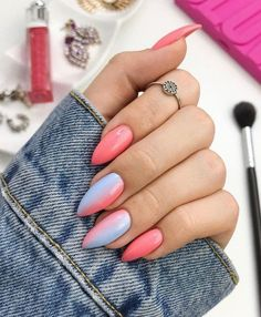 Unique Almond Nails Design Ideas In Summer - Nail Art Connect What nails are the perfect way to express a woman's beauty? Almond nails are the first choice for ladies. Summer Acrylic Nails, Cute Acrylic Nails, Cute Nails, Pretty Nails, My Nails, Shellac Nails, Oval Nails, Acrylic Art, Almond Shape Nails